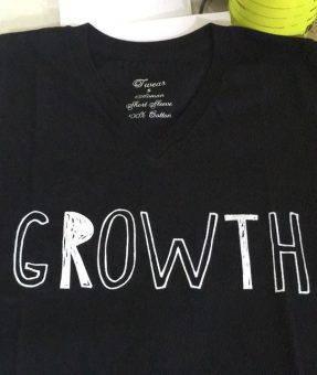 חולצה שחורה עם הדפס